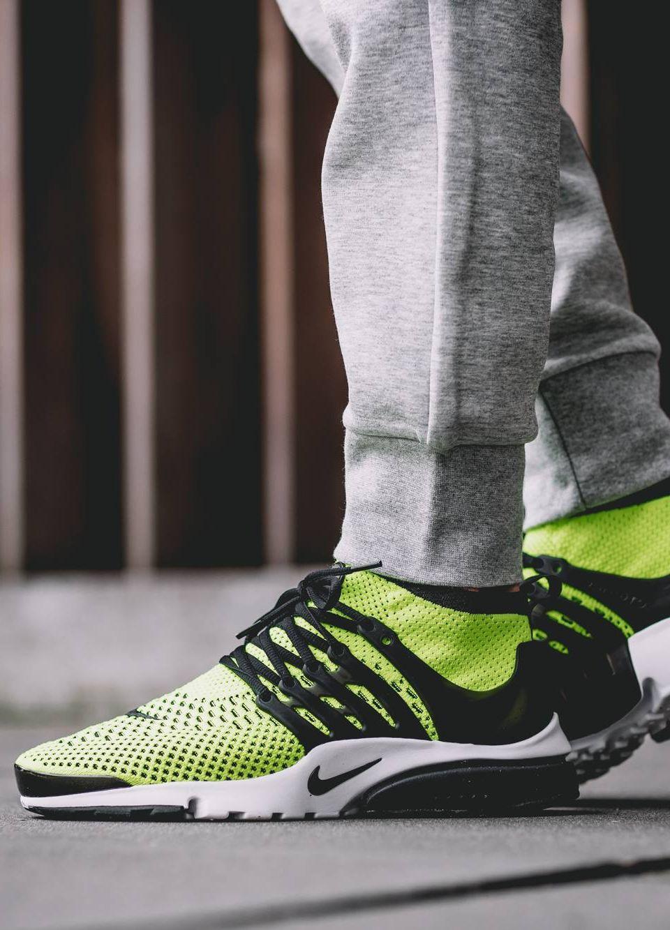 Sneakers: Nike Air Presto Flyknit Ultra 'Volt/Black' .