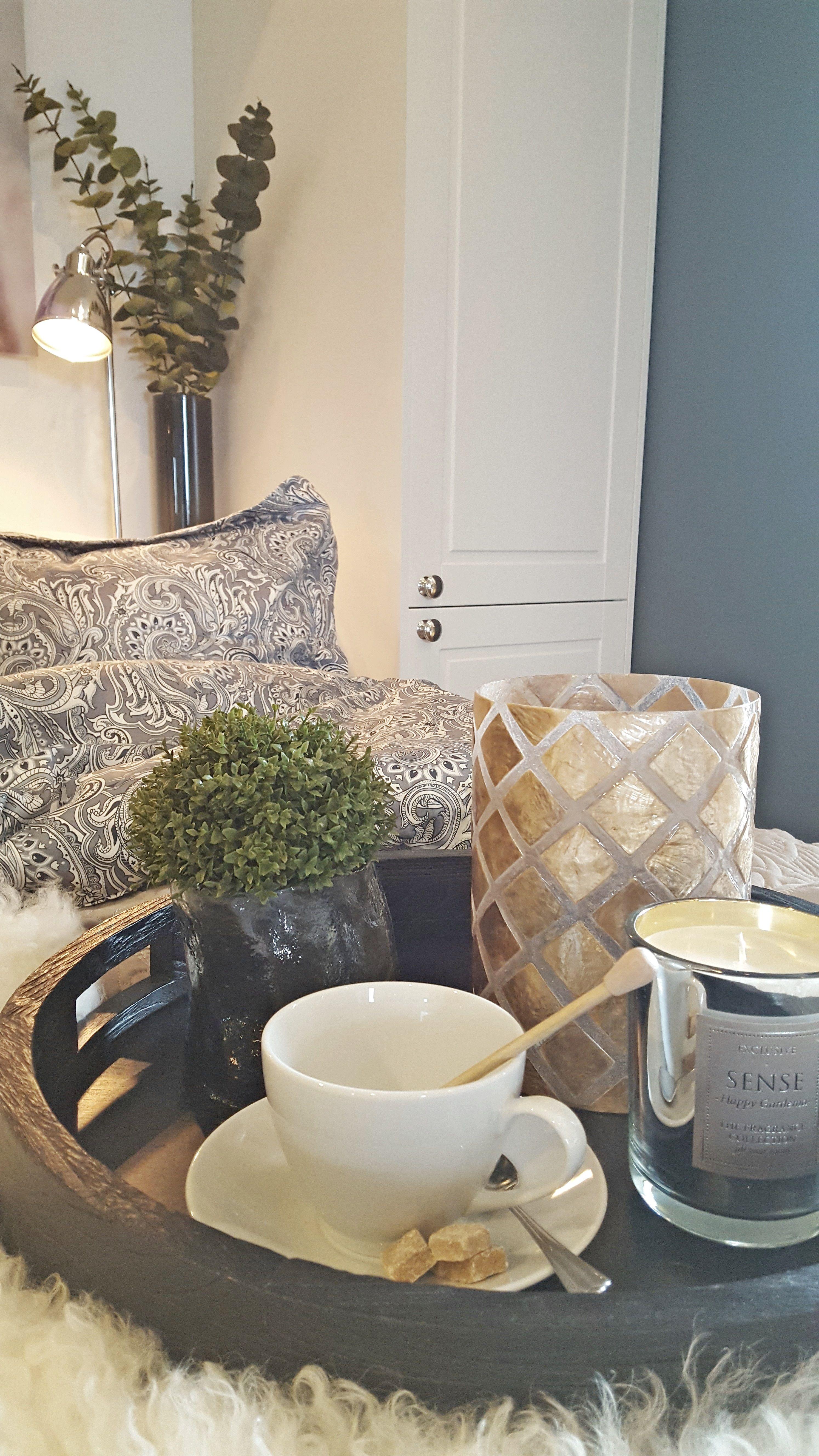 Studio Sigdal Ålesund. Bello kjøkken - her vist som garderobeløsning. Styling: Amalie Fagerli