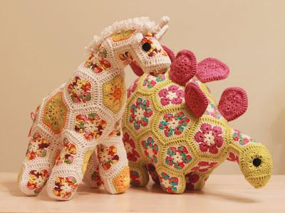 Heidi bears crochet giraffe and dino