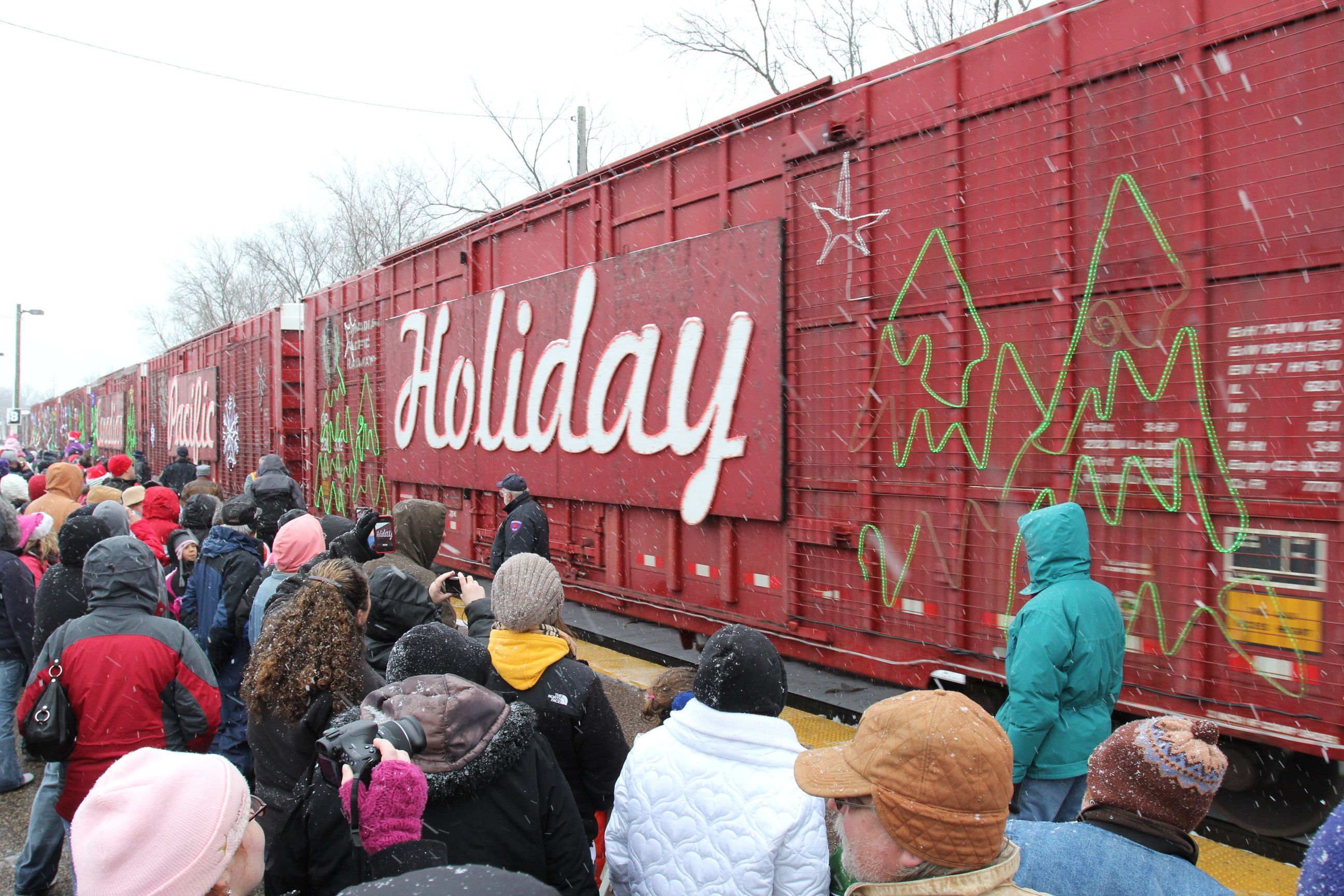 The holidaytrain as it pulls into the dells train