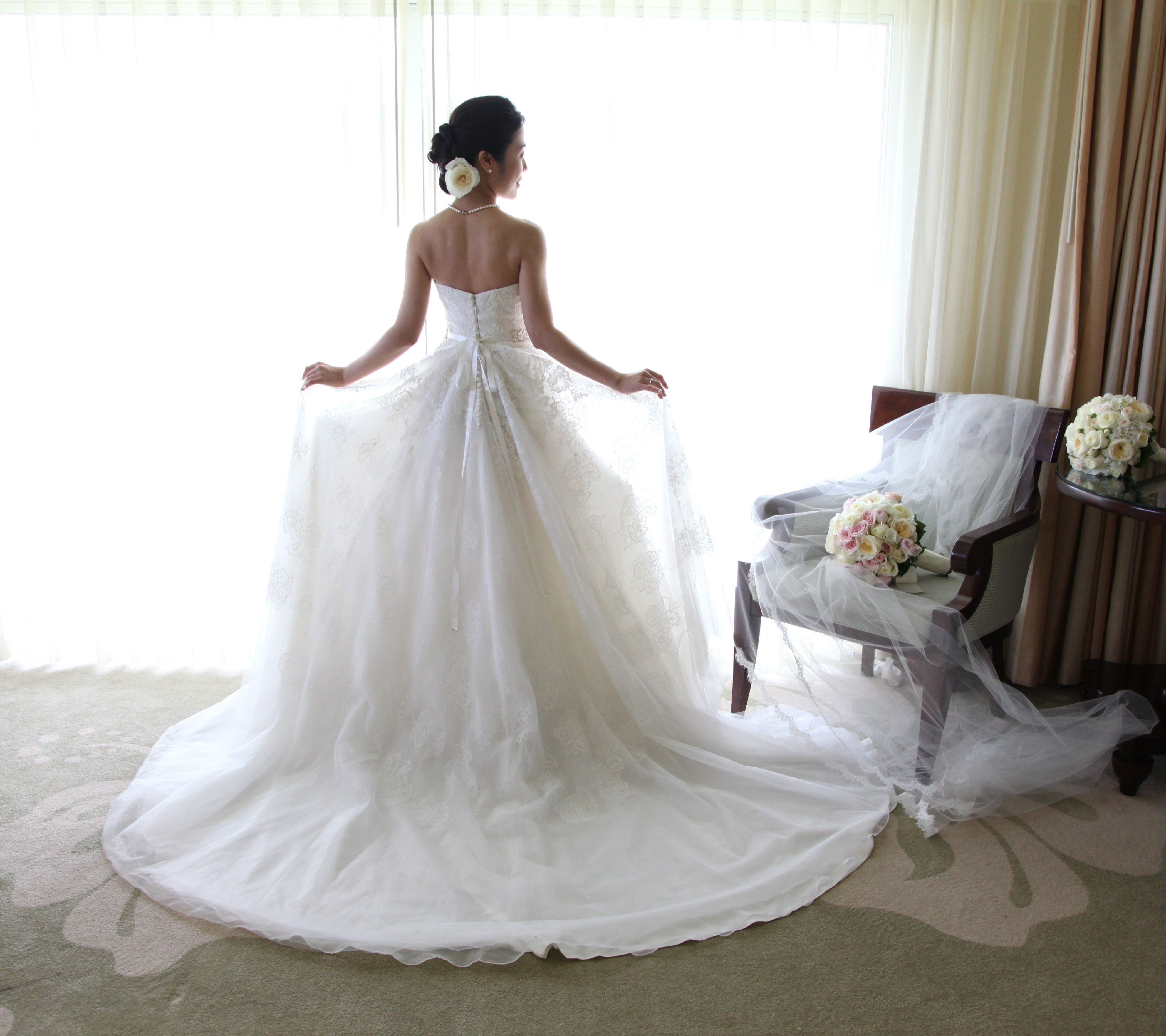 anne barge bride saori is picture perfect in her swan lake wedding gown from