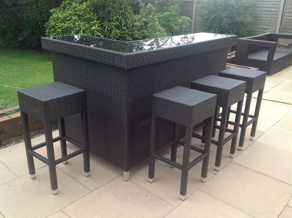 Stylish rattan outdoor bar counter bar counter and gardens for Outdoor patio bars for sale