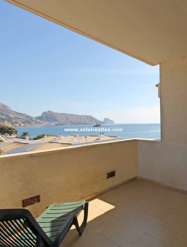 Fantastic apartment with a beautiful terrace with sea views, located in Cap Negret, Altea (Spain)