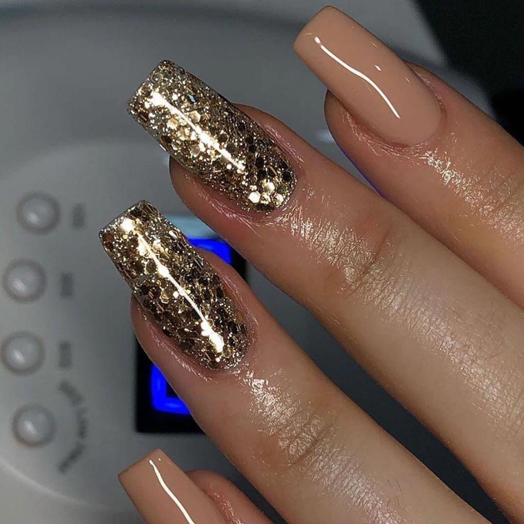 balarina nails| nails diy| valentine nails| nails metalic| nails sparkle| nails colors| nails formal| nails classic| nails shellac| nails burgundy| ma...,#balarina #burgundy #classic #colors #DIY #formal #metalic #nails #shellac #sparkle #valentine #winternailsburgundy #formalnails