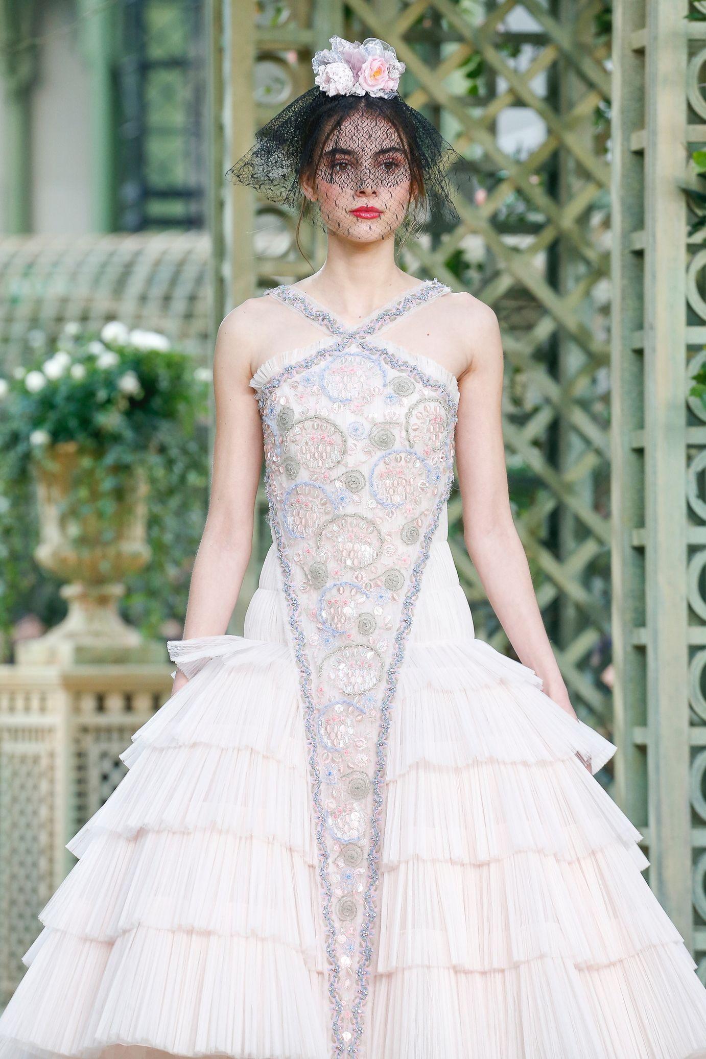 Défilé chanel haute couture printempsété chanel fashion