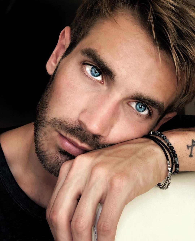 красивые глаза мужчин фото сколько