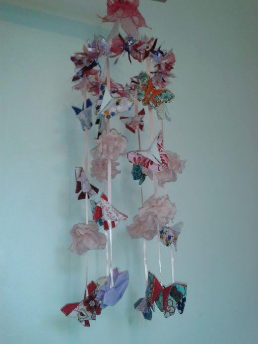 Mobiles papillons origami et fleur.
