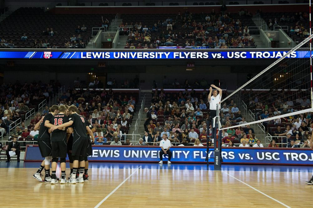 Lewis Men S Volleyball Vs Usc Lewis University Mens Volleyball Usc Trojans