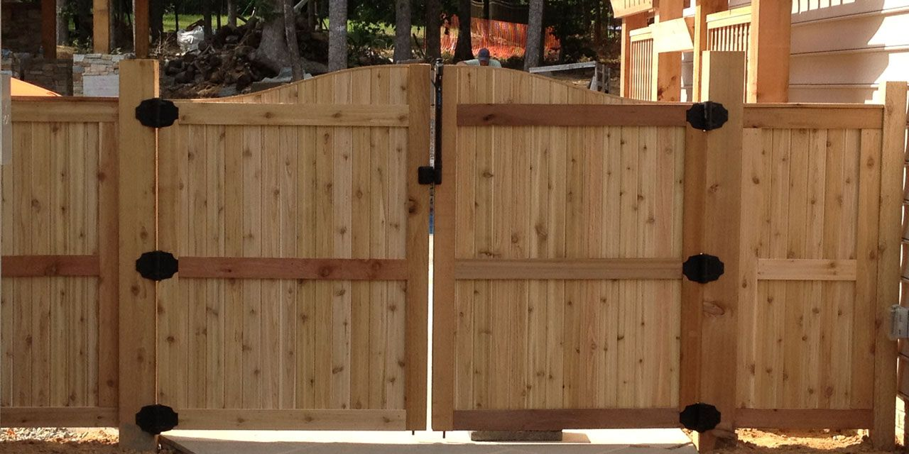 Fence Gate Design Ideas By Wooden: Astounding Home Exterior Decoration For  Front Yard Area Design Natural Wooden Style Furniture
