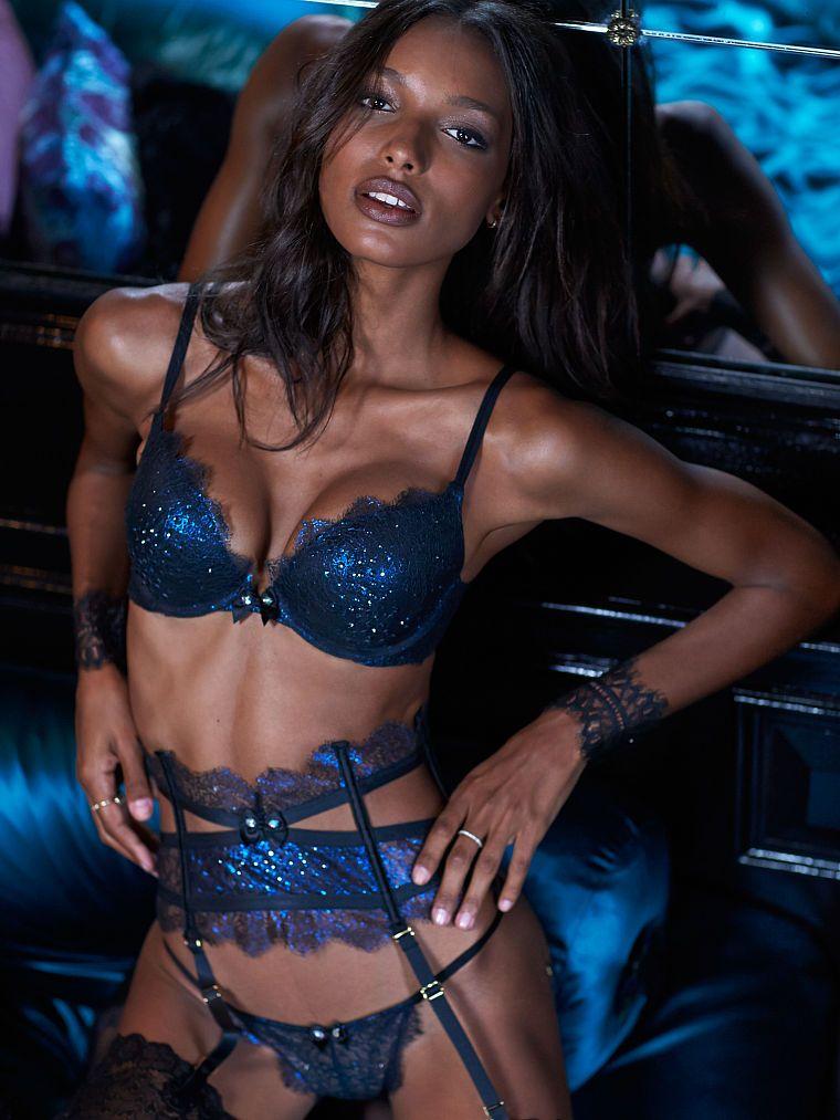 aa837f4dae Victoria s Secret Push-Up Bra   Lace Garter