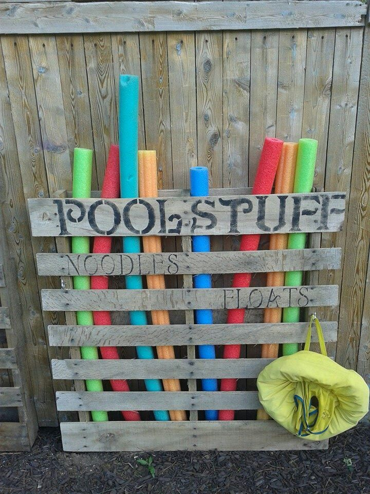Pool storage oh i should totally do these already have ns for Garden pool made from pallets