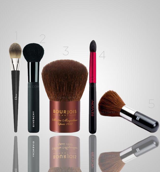 1. Pincel Fluid Foundation Brush – Dior: Um pincel para uso com base fluida e/ou creme. Com a qualidade Dior, este pincel possui fibras inov...