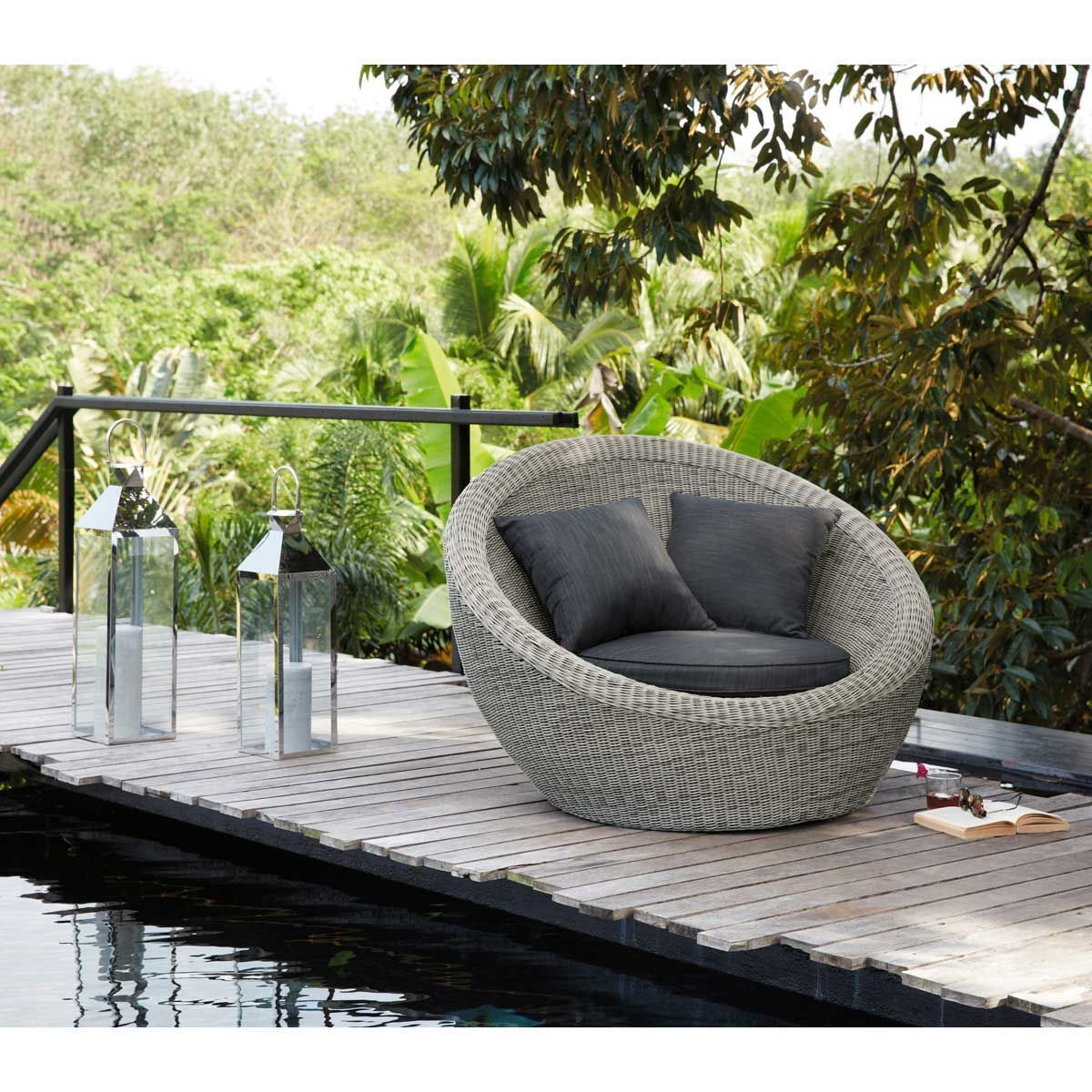 Round Gray Resin Wicker Outdoor Lounge Chair In 2020 Lounge Chair Outdoor Patio Lounge Chairs Resin Wicker