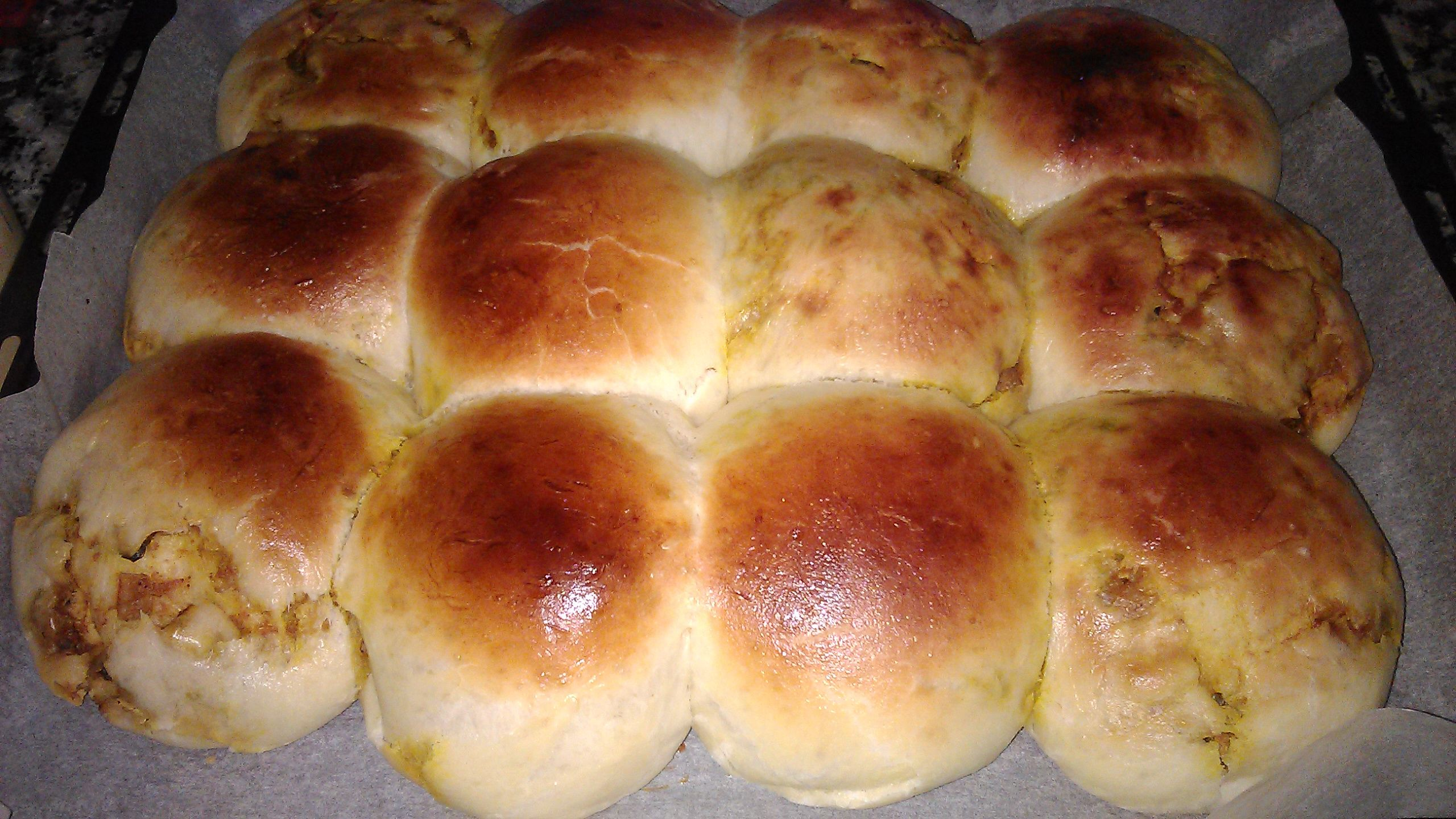 Beehive Stuffed Buns Khaliat Nahal طريقة عمل خلية النحل بالدجاج خليه نحل محشيه Quick Desserts Hot Dog Buns Food