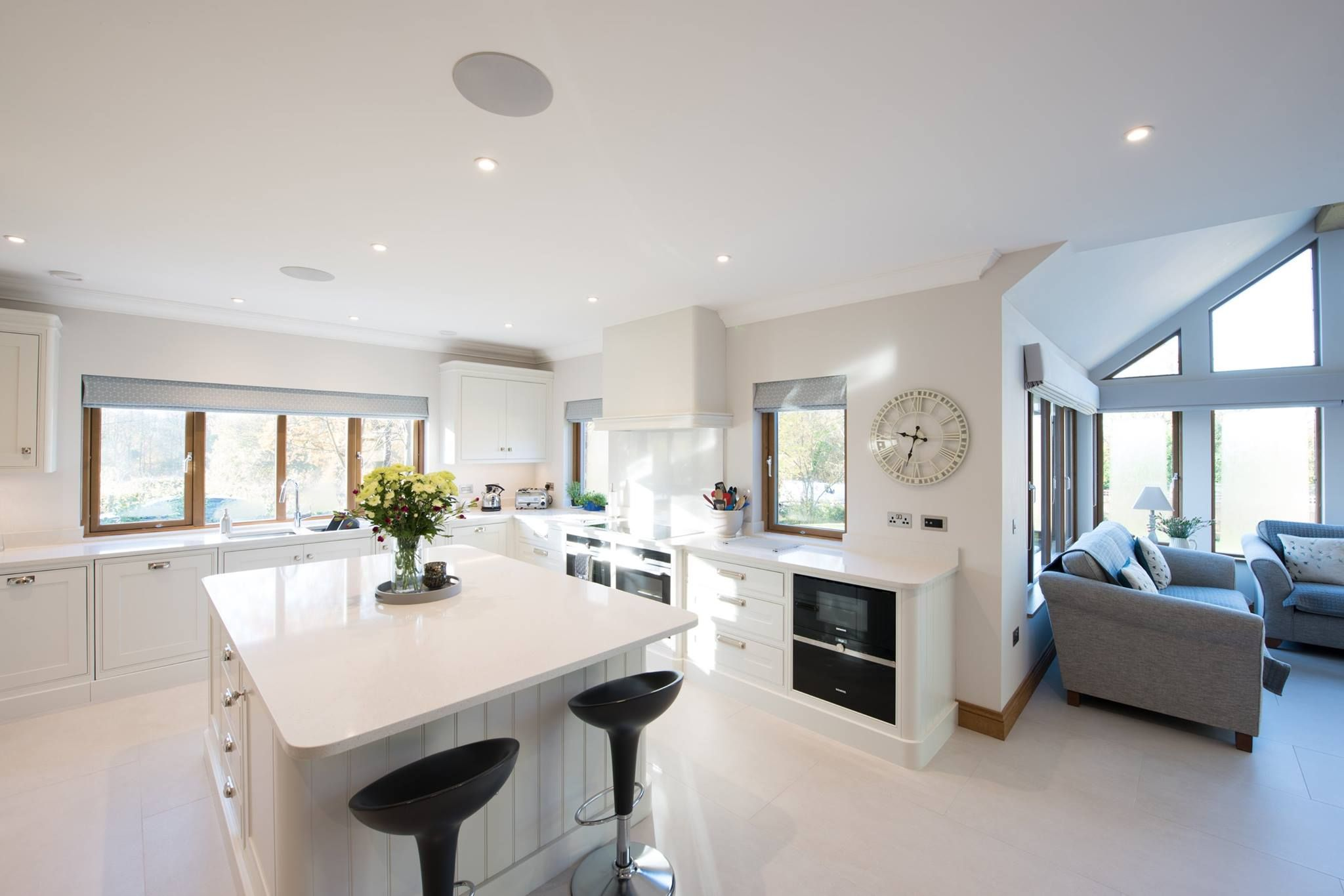 Light, bright and airy open plan kitchen. Dream home kitchen ...