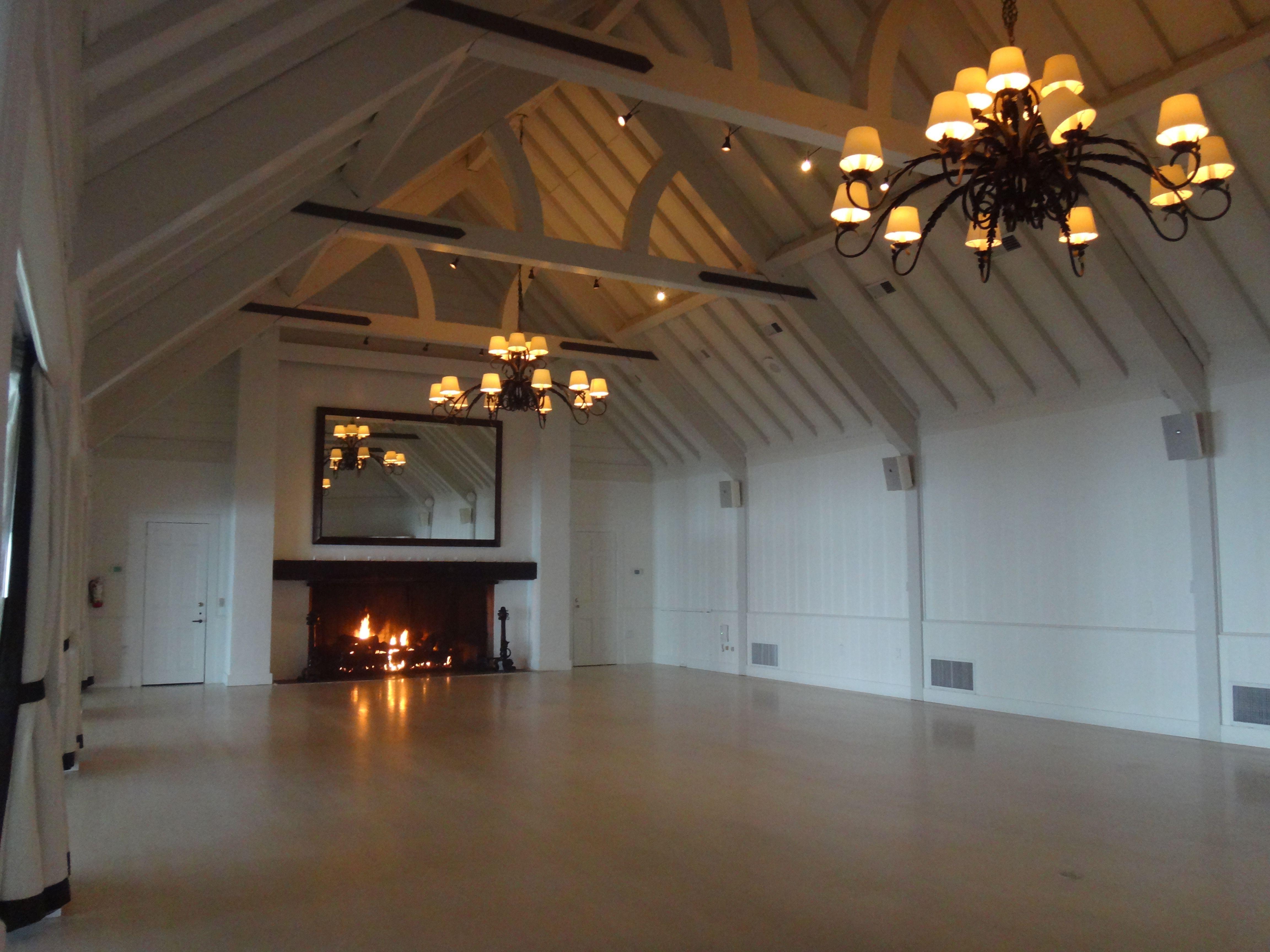 Farmhouse Ballroom At The Montauk Yacht Club Gorgeous Blank Slate To Create Wedding You Envision