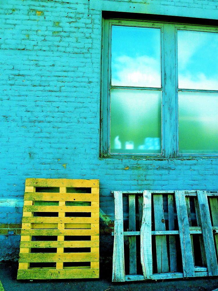 Lewiston Alley by @Karen Woodard