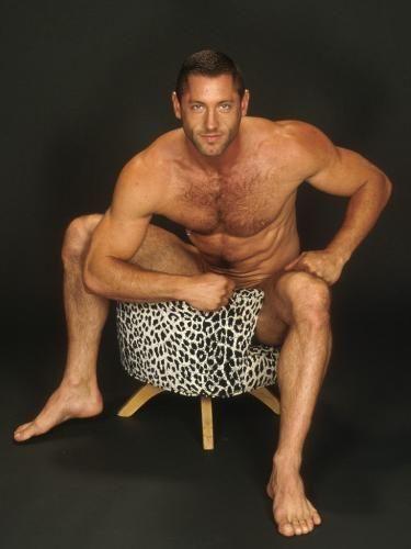 Bodybuilder feet male