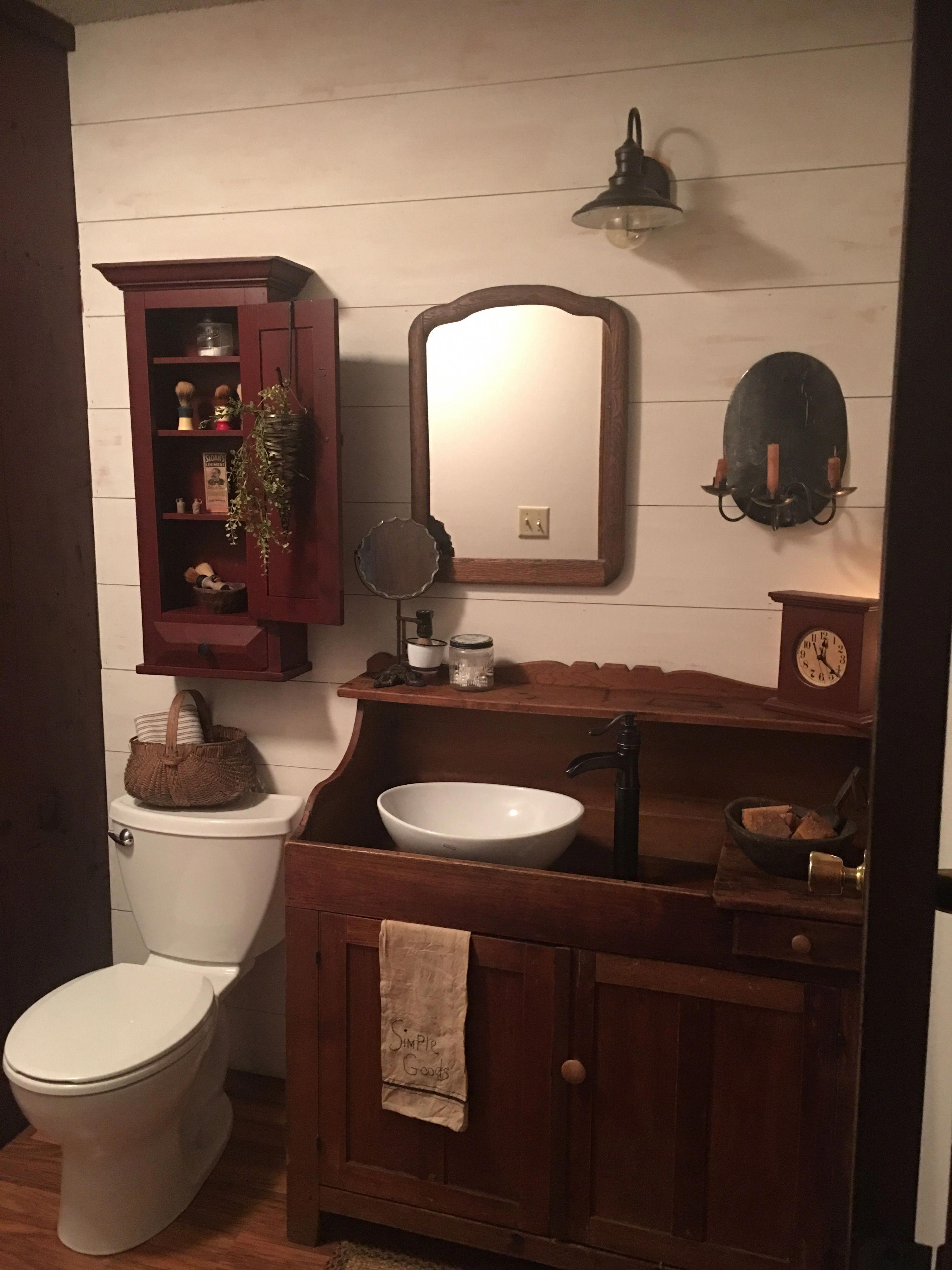 Primitive Bathroom Decor Primitivebathrooms In 2020 Primitive Bathrooms Primitive Bathroom Decor Primitive Country Bathrooms