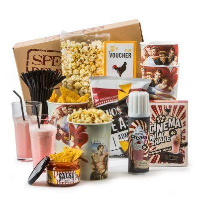 Cinema at home of graag naar de bioscoop? Een goede film op z'n tijd vinden we allemaal leuk. Met dit pakket kunt u kiezen: naar de bioscoop gaan of gezellig thuis blijven; aan beide keuzes is gedacht. We wensen u een fijne filmavond! #MovieStars