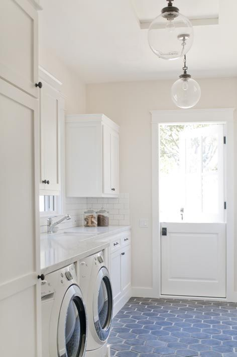 32 Good Choice Tile Design for Your Laundry Room Decor images
