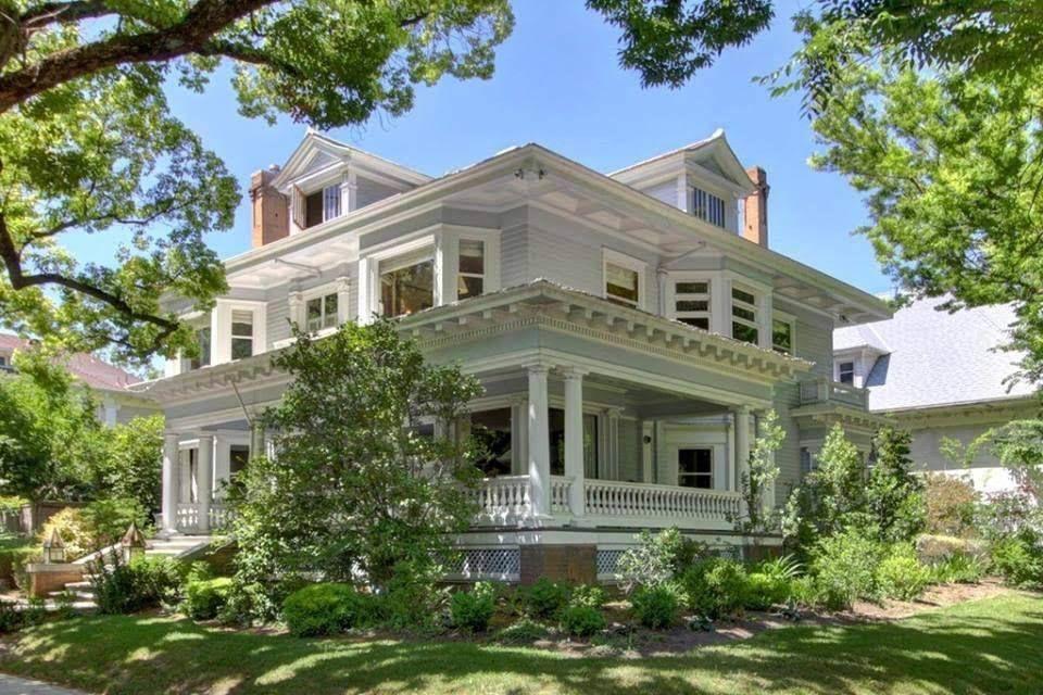 1911 Craftsman In Sacramento California Captivating Houses Craftsman House Victorian Homes Modern House Design