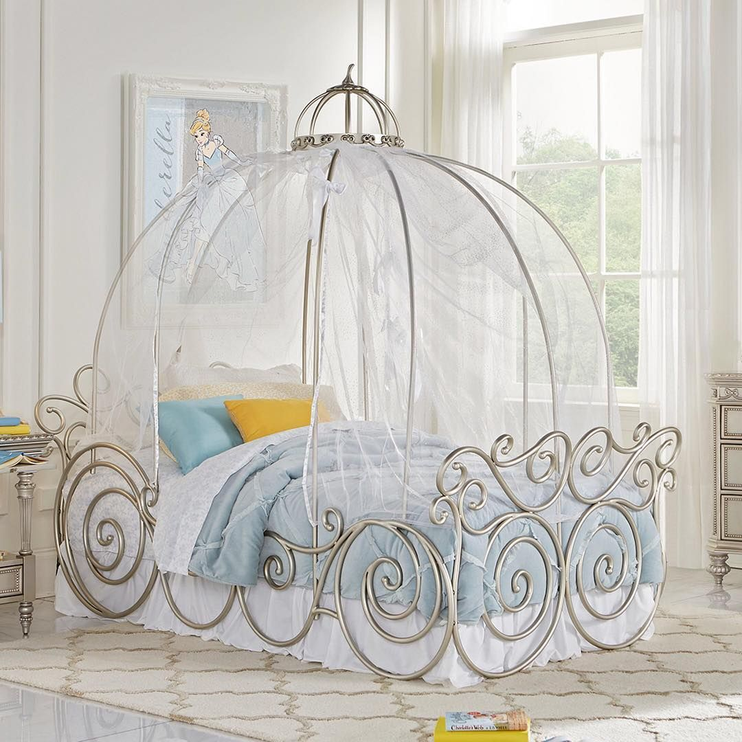 For kids or Kids at heart. This Cinderella Carriage bed looks ...