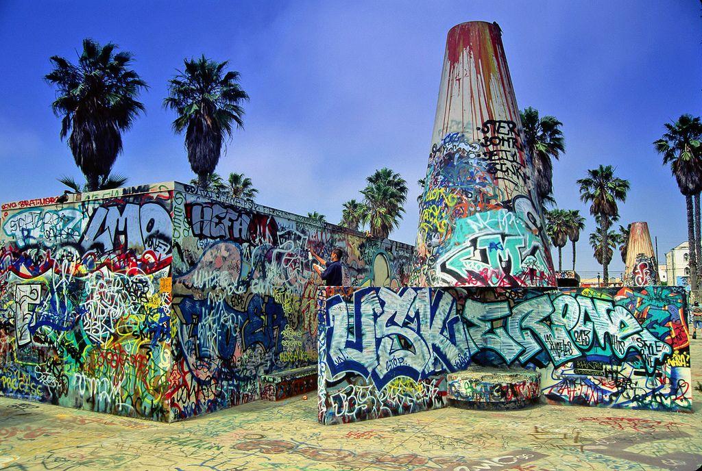Venice Beach Graffiti 2 John Reilly Flickr Venice Beach Art Street Mural Beach Wall Art