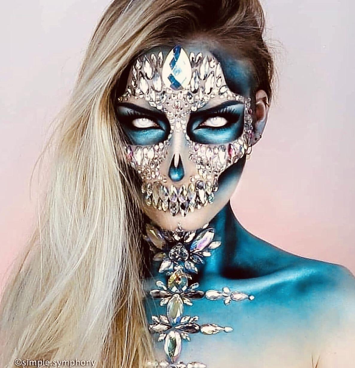 Pin by Derald Hallem on Female Art Cute halloween makeup