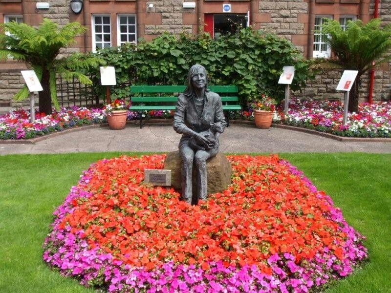 Linda McCartney Memorial Garden, Campbeltown, Scotland | Paul ...
