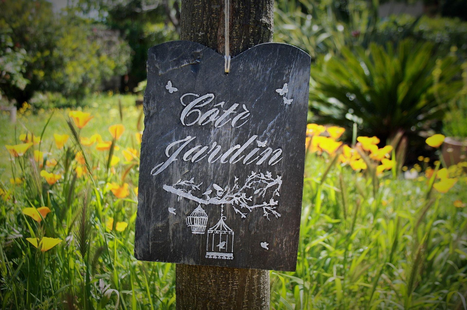 Panneau en ardoise c t jardin accessoires de maison par la cage a deco pancartes bois et - Panneau ardoise jardin ...