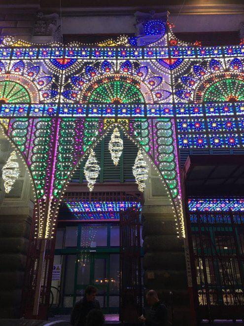 Natale a Firenze, le luci del mercato centrale