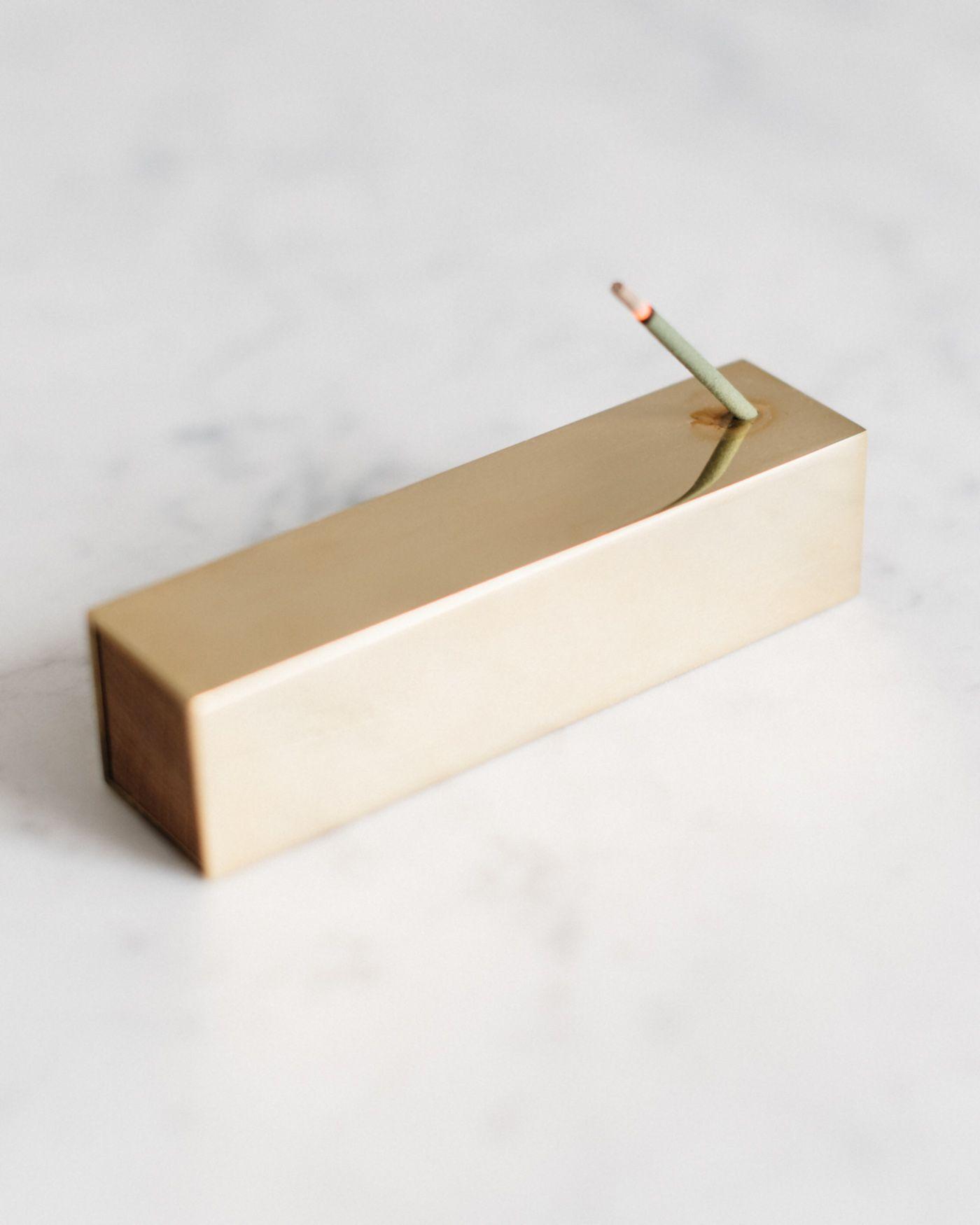 M i n u t e s – Brass incense burner by Monocle.