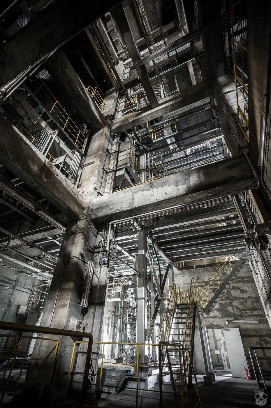 abandoned factory 巨大廃工場 廃墟 | ruins | pinterest | 廃墟、工場
