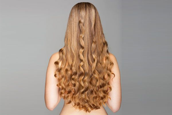 Looking For A Gorgeous Prom Hairstyle You Can Style Yourself Check Out These Curly Hairstyles Pictures Of Updos Hair Worn Down And Half Up