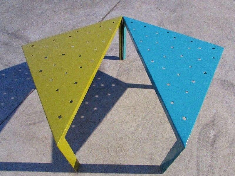 Combinación mesas metálicas troqueladas