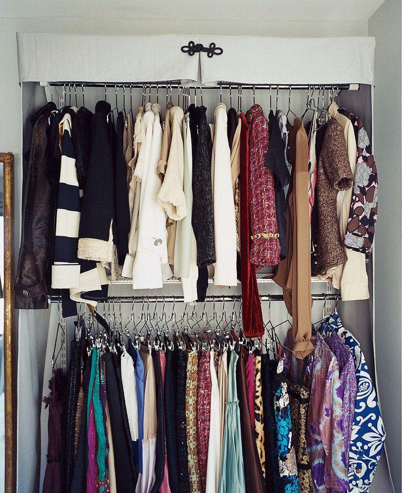 Extra closet space percha el punto y hechos - Como ordenar un armario ...