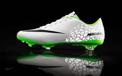 4d4b648b3 Cristiano Ronaldo new football boots nike mercurial vapor IX ...