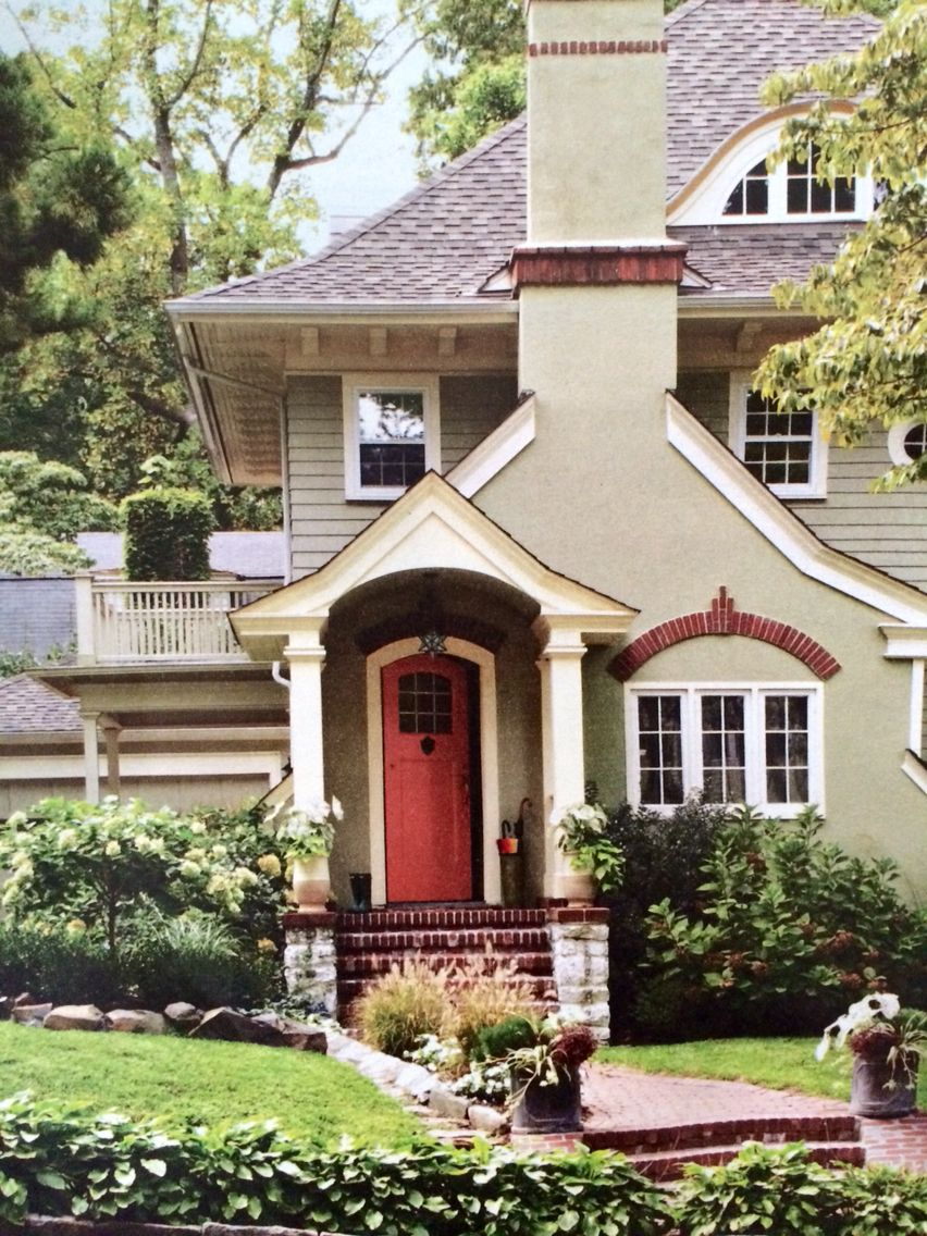 Pretty exterior house colors cheyenne green mayonnaise for Benjamin moore exterior house paint