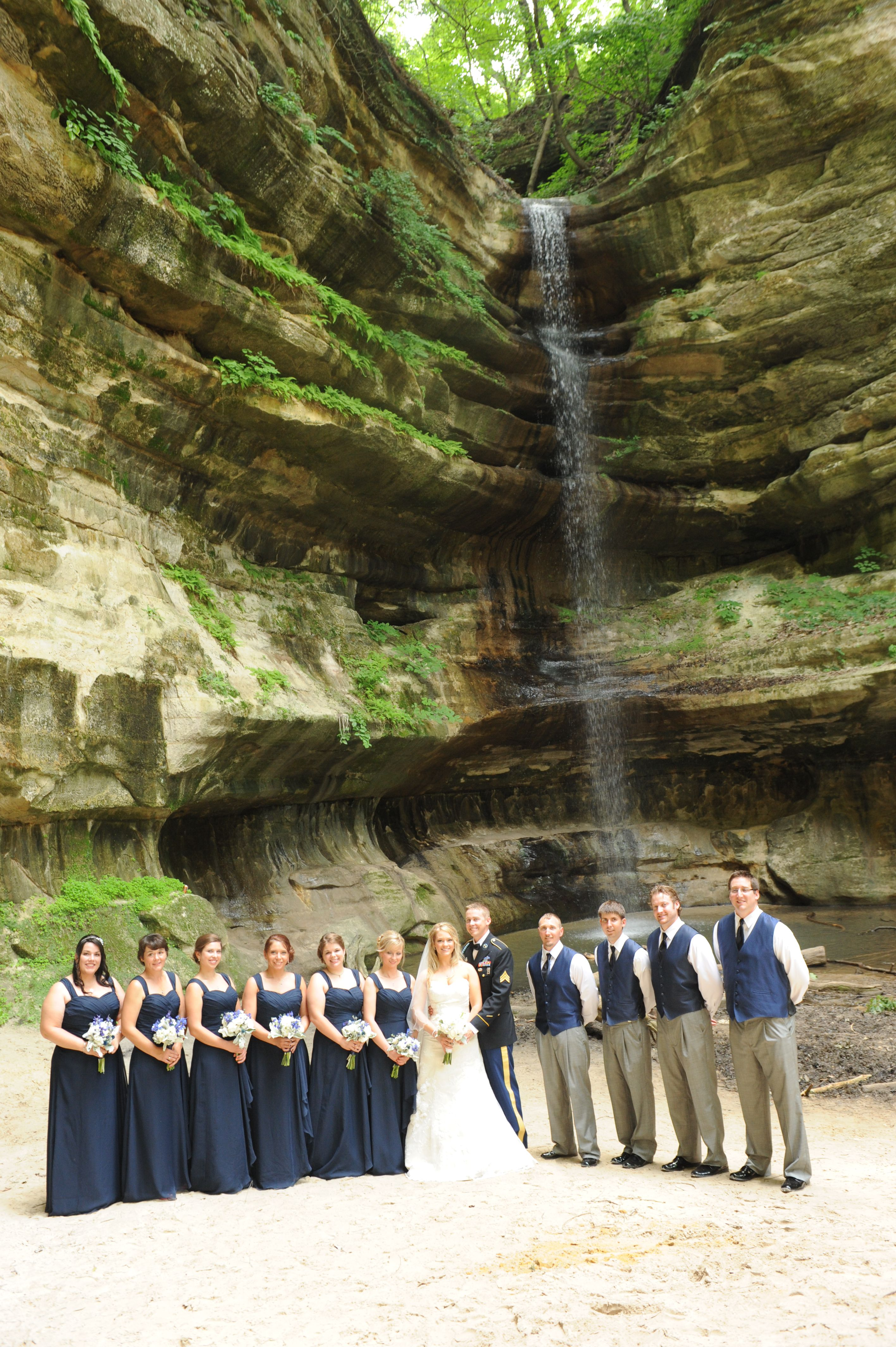 I Love Starved Rock State Park S St Louis Canyon For Wedding Photos The Group Are Stunning At This Location Photo By Kathy Ctevens