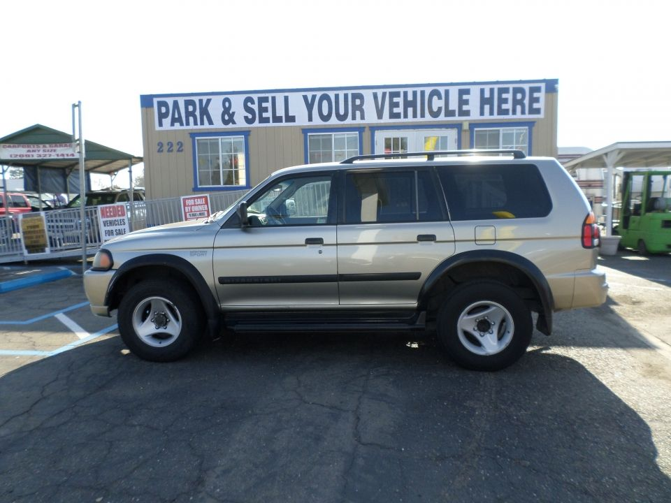 2001 Mitsubishi Montero Sport Suv for sale, Sports, Roof