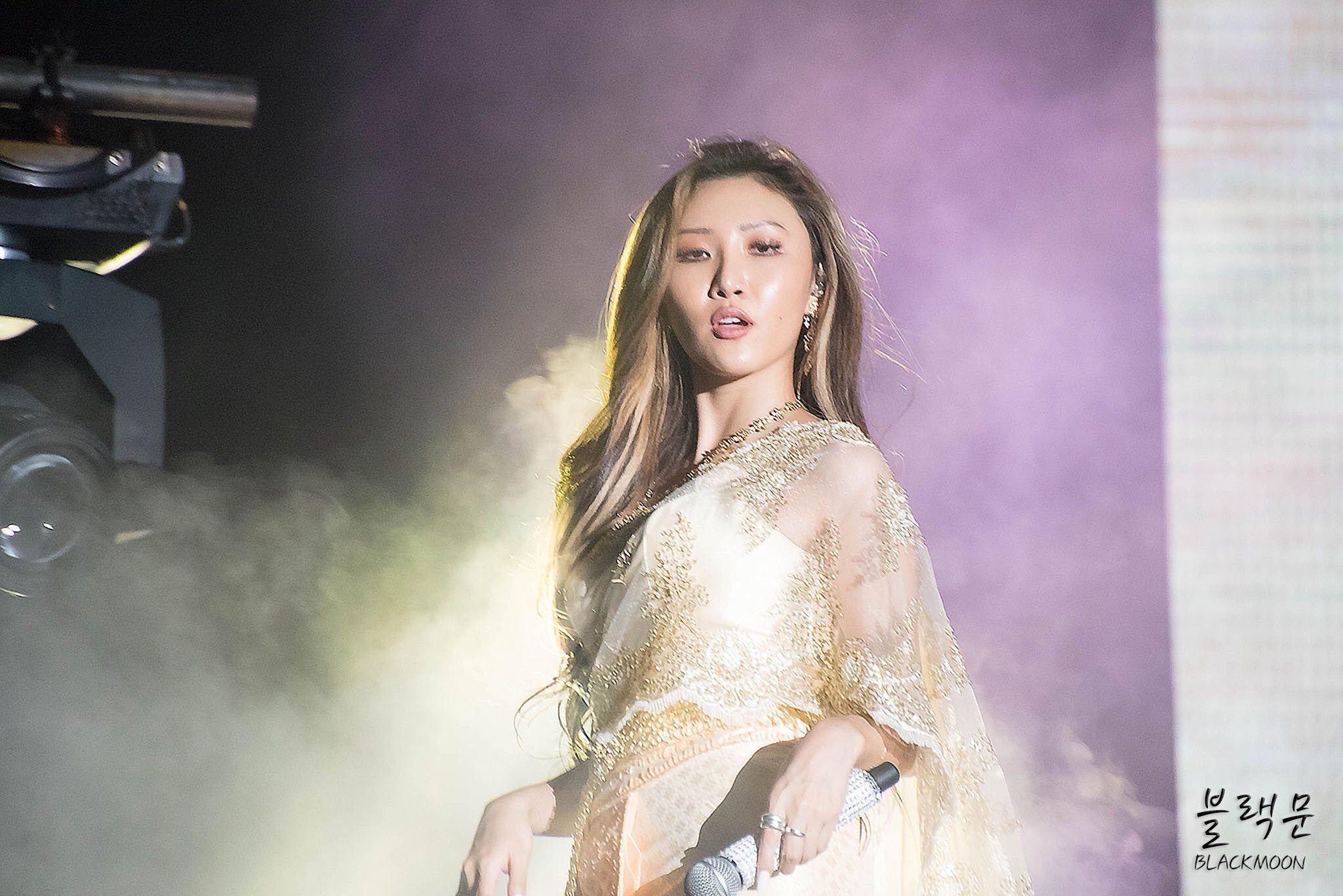Hwasa Mamamoo Concert In Bangkok Thailand Korean Beauty Standards Korean Beauty Mamamoo