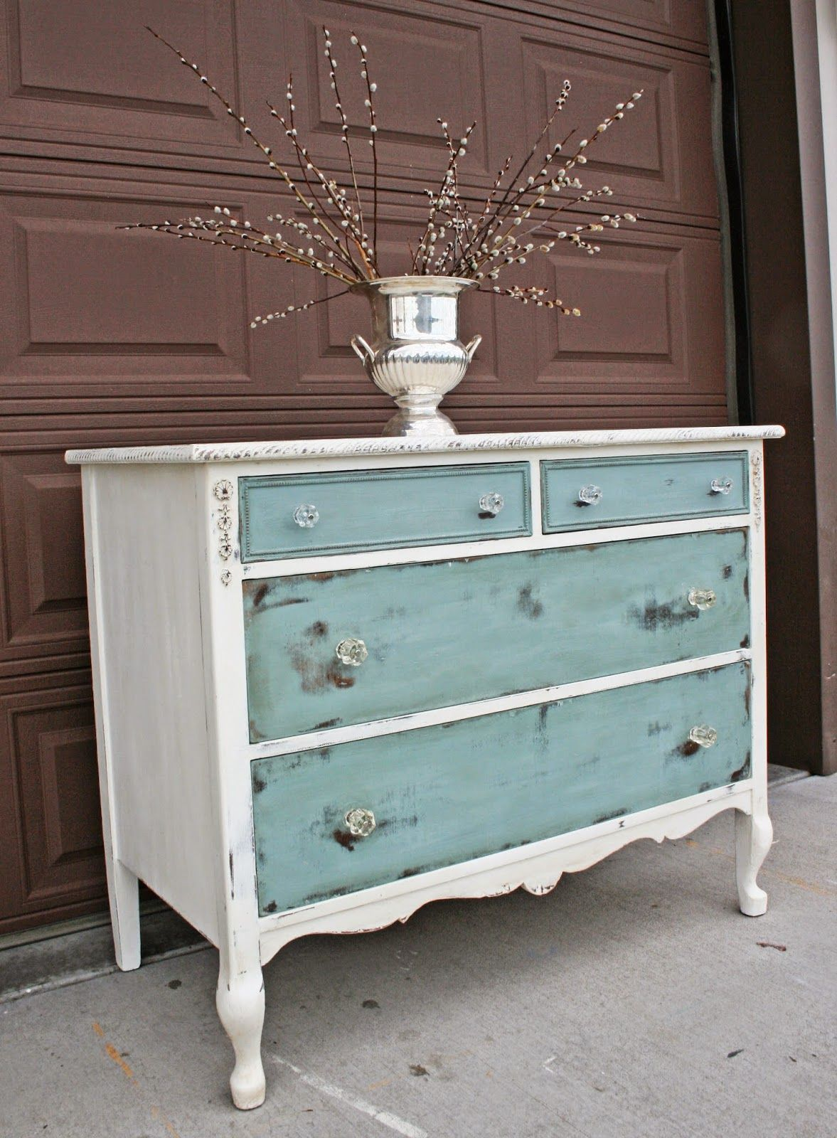 Distressed Vintage Bedroom Inspiration: Antique Recreation: At Long Last...