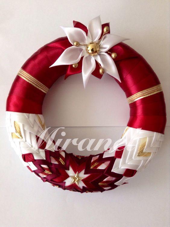 d92209783 Saténový věnec s kanzashi květinou: Vianočné Vence, Remeslá, Remeslo,  Papierové Kvety,