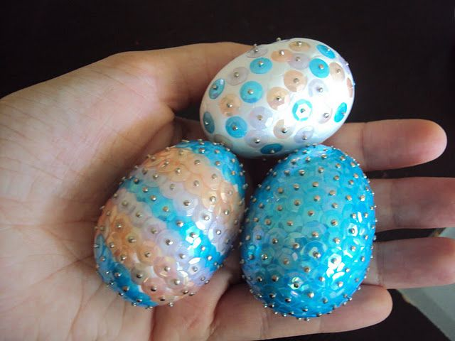 Styrofoam eggs and sequins...such cute Easter decorations ...