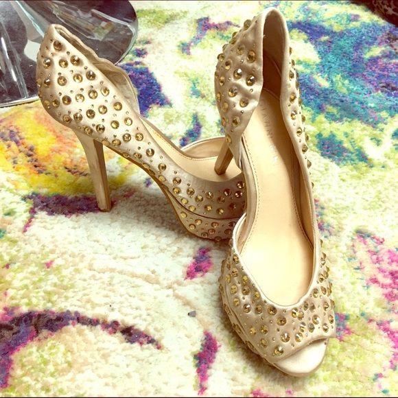 WORN ONE TIME Gianni Bini gold studded heels Gold heels by Gianni Bini Gianni Bini Shoes Heels