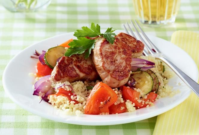 Schweinefilet auf Gemüse-Couscous | Kochrezept