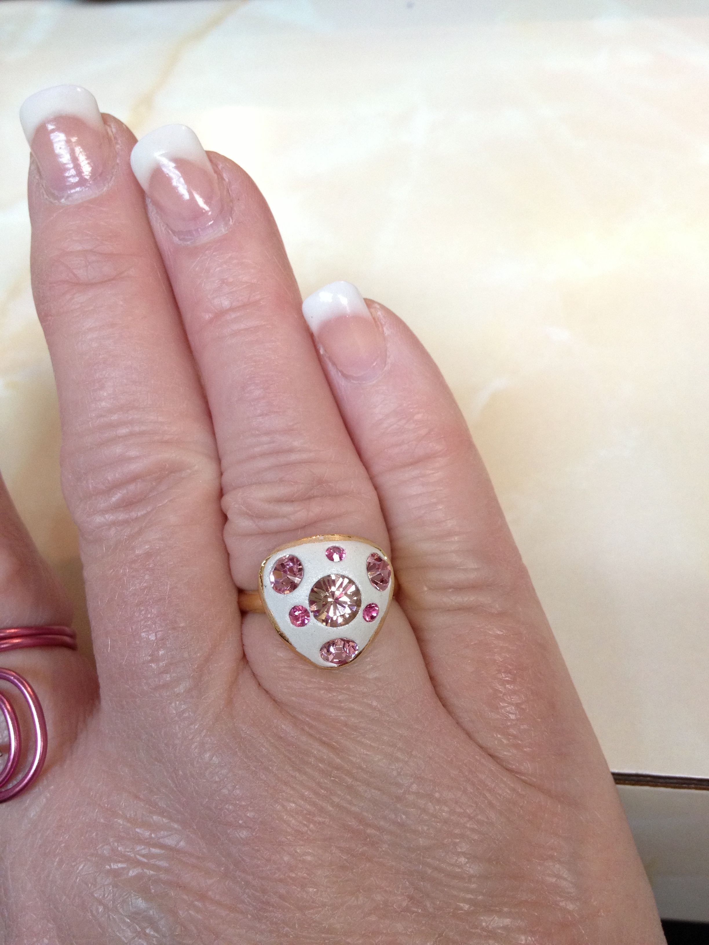 Gold tone cupped ring with antique pink, light rose and fuchsia ...