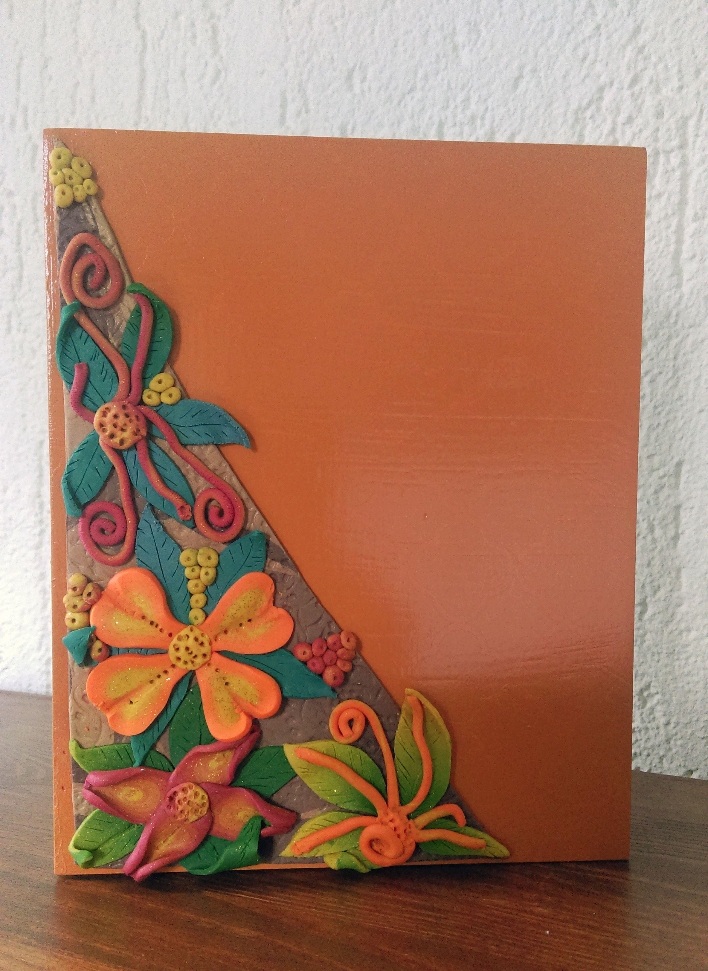 kistje met oranje dekseltje met afbeeldingen oranje
