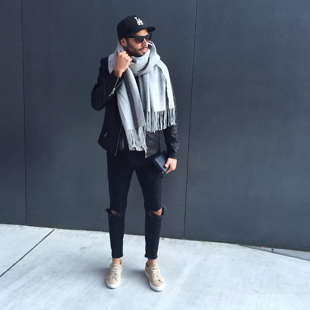 2016-12-02のファッションスナップ。着用アイテム・キーワードはキャップ, サングラス, スニーカー, マフラー・ストール, ライダースジャケット, 黒パンツ,etc. 理想の着こなし・コーディネートがきっとここに。  No:180183